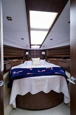 420 Fly 46 42_galeon_queen_of_the_nile_III_master_stateroom_1