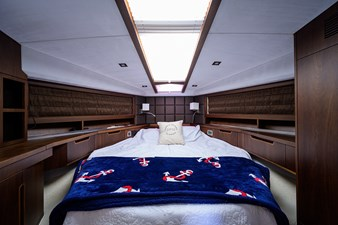 420 Fly 47 42_galeon_queen_of_the_nile_III_master_stateroom_2