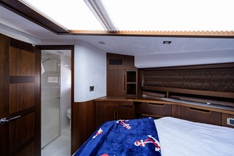 420 Fly 49 42_galeon_queen_of_the_nile_III_master_stateroom_4