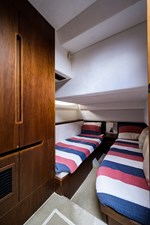 420 Fly 52 42_galeon_queen_of_the_nile_III_starboard_guest_stateroom_1