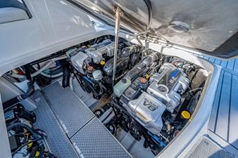 37 Formula 2017 31 Engine Room