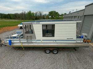 Pontoon Houseboat 0 GOPR5142