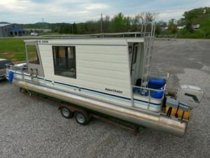 Pontoon Houseboat 1 GOPR5126