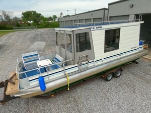 Pontoon Houseboat 3 GOPR5129
