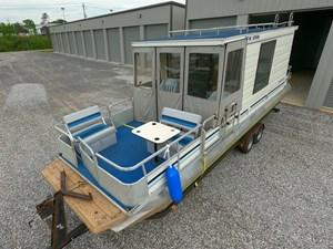 Pontoon Houseboat 4 GOPR5130