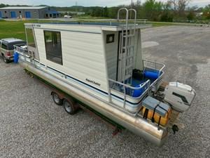 Pontoon Houseboat 10 GOPR5140