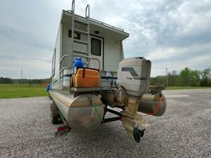 Pontoon Houseboat 17 GOPR5151