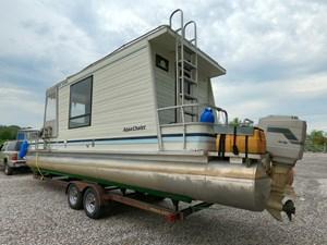 Pontoon Houseboat 18 GOPR5152