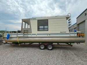 Pontoon Houseboat 19 GOPR5153
