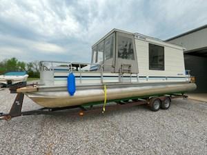 Pontoon Houseboat 20 GOPR5154