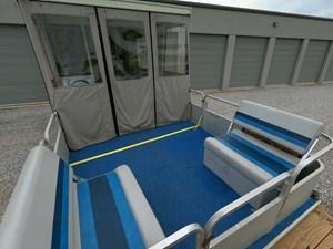 Pontoon Houseboat 24 GOPR5160