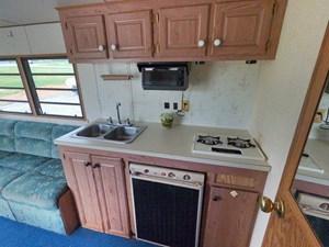 Pontoon Houseboat 48 GOPR5186