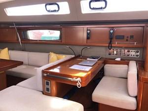 Aquavit VI 9  Beneteau Oceanis 60 for Sale - NAV table