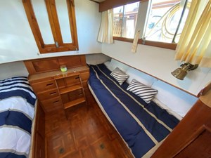 Sweet Life 20 Aft Stateroom Looking Port