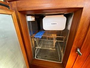 Sweet Life 28 Refrigerator w/ Ice Maker