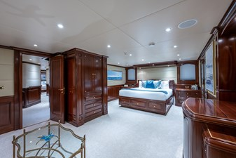 STARSHIP 12 Owner's Suite