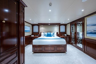 STARSHIP 13 Owner's Suite