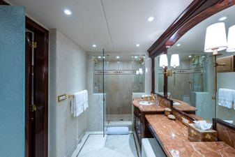 STARSHIP 17 Owner's Bath