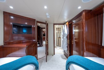 STARSHIP 30 Twin Guest Stateroom