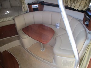No Name 25 25. Salon Settee To Starboard