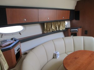 No Name 32 32.Starboard Settee,Storage cabinets