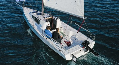 Beneteau First 24 (also available in SE- Sports Edition) 3 First_24_7
