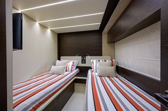 La Luce 35 Starboard Guest Stateroom