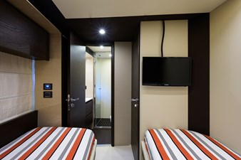 La Luce 36 Starboard Guest Stateroom