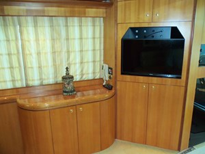 UNBRIDLED 4 Starboard Side Entertainment Center