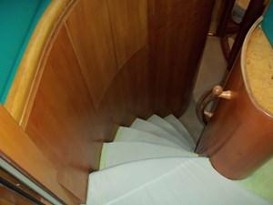 UNBRIDLED 19 Portside Accommodation Steps