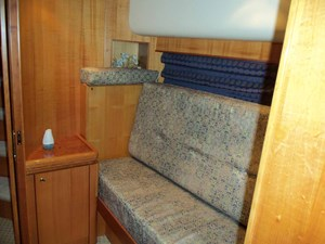 UNBRIDLED 31 Portside Guest Cabin