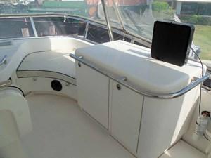 UNBRIDLED 52 FB Starboard Side Bar