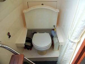 UNBRIDLED 64 Crew Toilet
