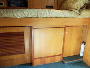 UNBRIDLED 67 Starboard Side Storage