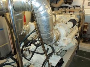 UNBRIDLED 70 Port Engine