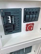 CHAGOS 37 Chagos_helm_battery_switch
