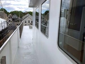 CHAGOS 74 Chagos_side_deck_bridge_level