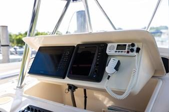 Grady-White Bimini 306  16