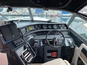 1992 Sea Ray Express Cruiser 9