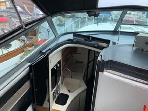 1992 Sea Ray Express Cruiser 10