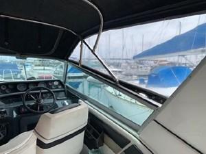 1992 Sea Ray Express Cruiser 17