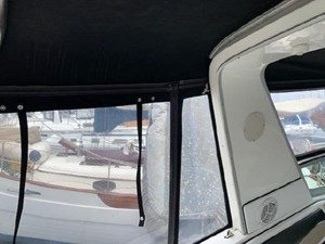 1992 Sea Ray Express Cruiser 18