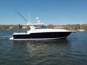Sealady 3 Sealady 1999 TIARA 4300 Open (CAT Powered) Cruising Yacht Yacht MLS #271300 3
