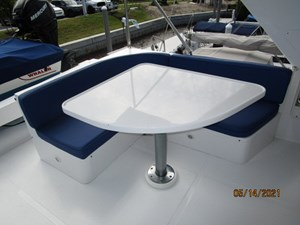 Patriot 24 23_2779667_55_ocean_alexander_flybridge_port_seating