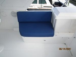 Patriot 25 24_2779667_55_ocean_alexander_flybridge_starboard_seating
