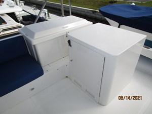 Patriot 26 25_2779667_55_ocean_alexander_flybridge_storage_refrigerator