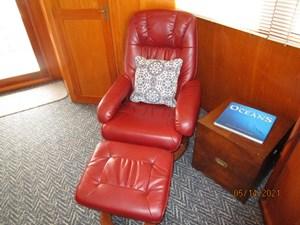 Patriot 44 43_2779667_55_ocean_alexander_salon_port_seating
