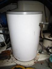 Patriot 79 78_2779667_55_ocean_alexander_water_heater