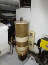 Patriot 86 85_2779667_55_ocean_alexander_starboard_generator_racor_fuel_filter