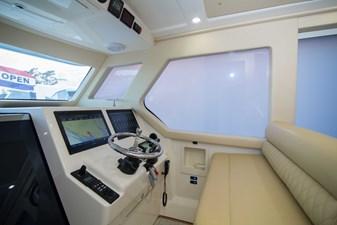 52 Gulf Stream 2020 5 Helm